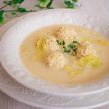 我が家の人気レシピ認定!「えのきでカサ増しヘルシー鶏団子豆乳スープ」レシピ