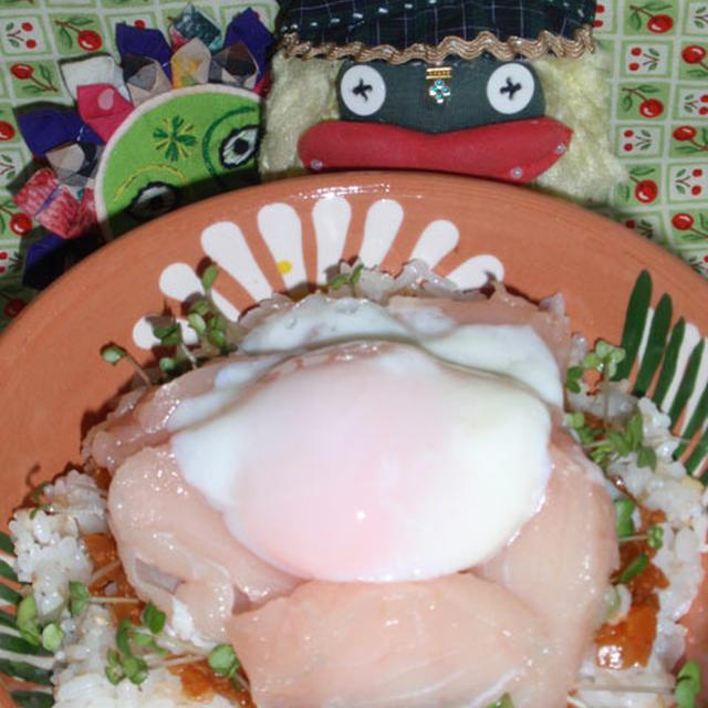 韓国風マグロ丼&キュウリとベーコンのピリ辛炒め(お家カフェ)