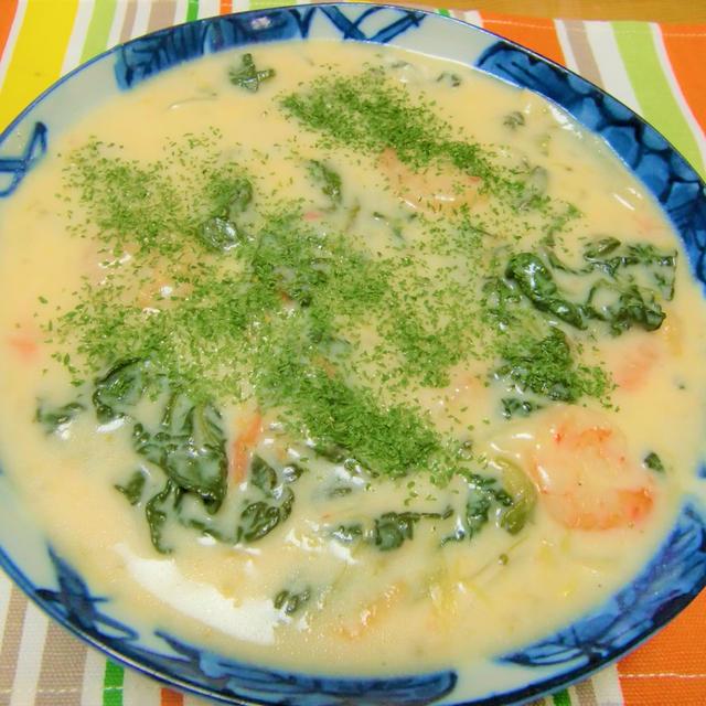 100皿シチュー 41皿目 雪菜の花と海老のクリームシチュー