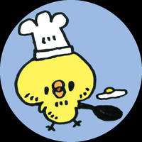 ストーリーにあげたヒヨコ蒸しパンの2回目を蒸しました。・一回目のヒヨコは全く私の事を見...