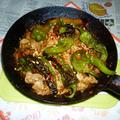 万願寺唐辛子と豚ロース薄切り肉の白味噌炒め