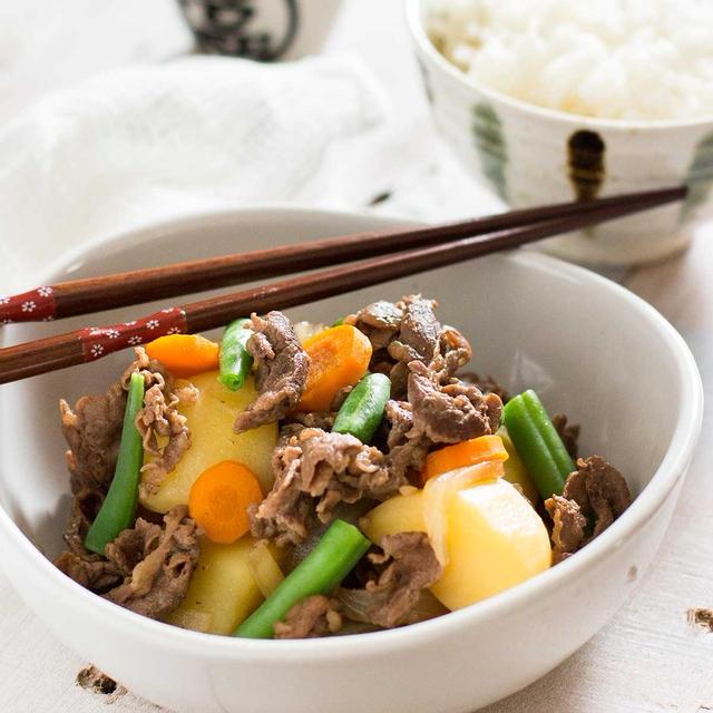 Nikujaga – Japanese Beef and Potatoes