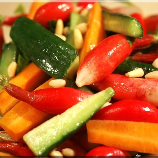 副菜<野菜のピクルス>合わせて菜園野菜のご紹介もさせて下さいね。
