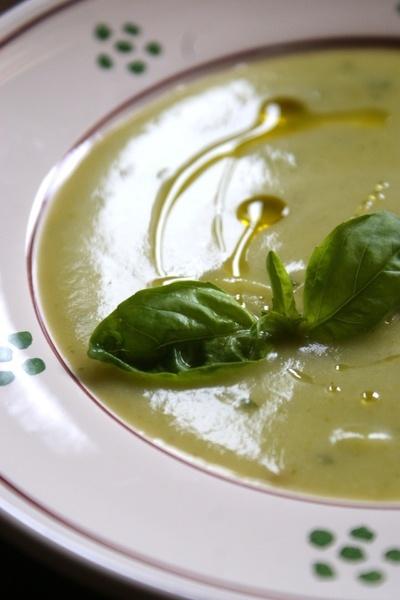 ズッキーニとバジルの素敵スープ♪