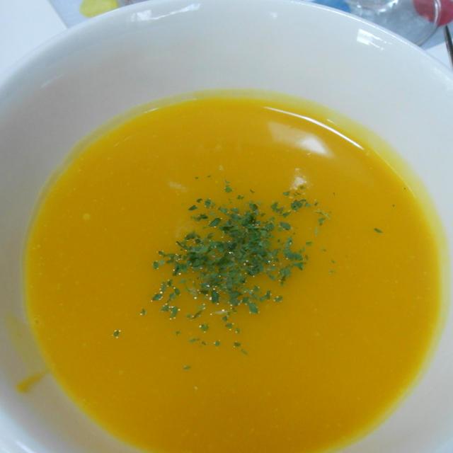 ピーナッツかぼちゃのスープ