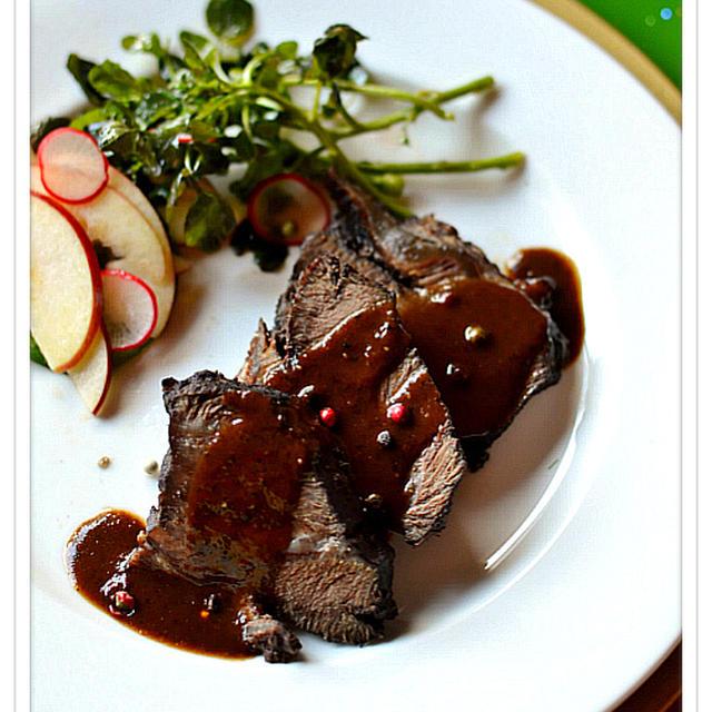✽牛ほほ肉の赤ワイン煮✽