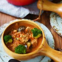 豆腐ミートボールの具沢山トマトスープ