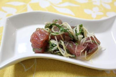まぐろの中華風和えと高野豆腐とほうれん草のごま和えとキムチチゲでうちごはん(レシピ付)