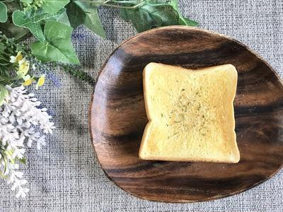 サクサク美味しい!食パンで作るガーリックトーストの作り方