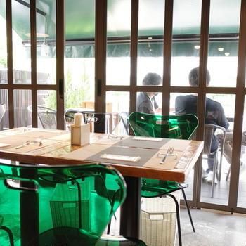 【田町】光たっぷり差し込むテラスで優雅にイタリアンを「アブラッチョ」