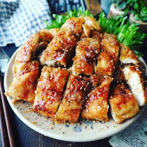 揚げ焼きでOK!「男子が喜ぶがっつり鶏むね肉おかず」を集めました