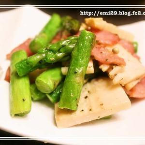 筍とアスパラのホワイトペパー炒め