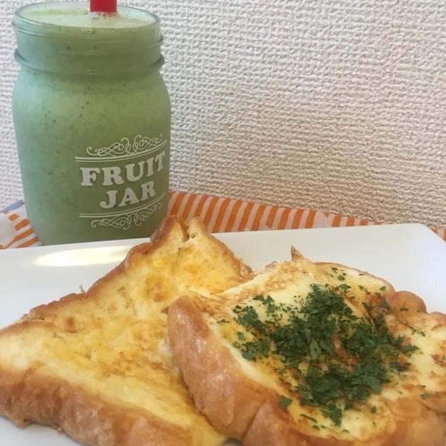 今朝の朝ごはん(((o(*゚▽゚*)o)))ココナッツオイル焼きのフレンチトースト