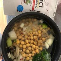 MCT食べるオイルとコラボ料理