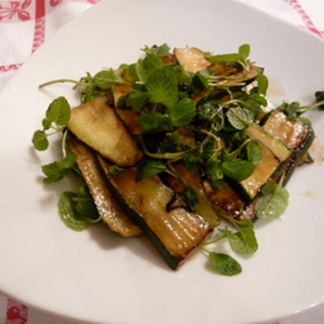 イタリア定番ズッキーニのミントサラダ