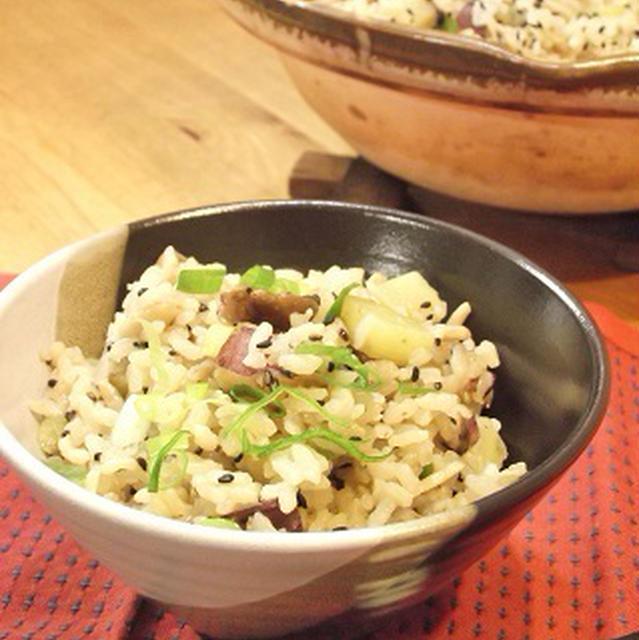 またまた 土鍋でド~ン! 腸活♪フワッとバターしょうゆ♡薩摩芋とキノコの炊き込みご飯
