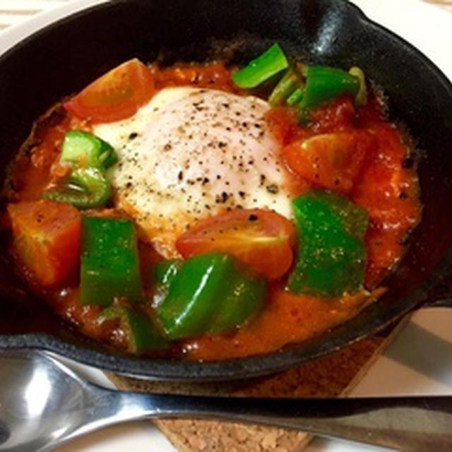 濃厚トマトソースと卵のスキレット