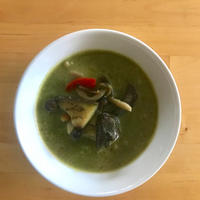 【レシピブログ】チキンとなすのグリーンカレー × 北海道のロゼ