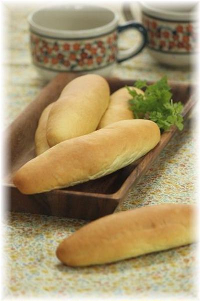 はちみつカレーのドックパン。