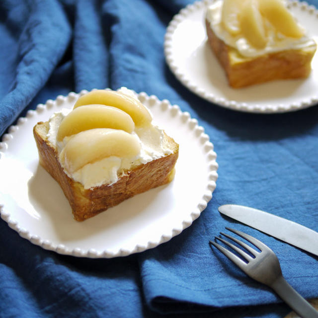 乗っけただけの、即席ショートケーキ【桃のデニッシュケーキ】