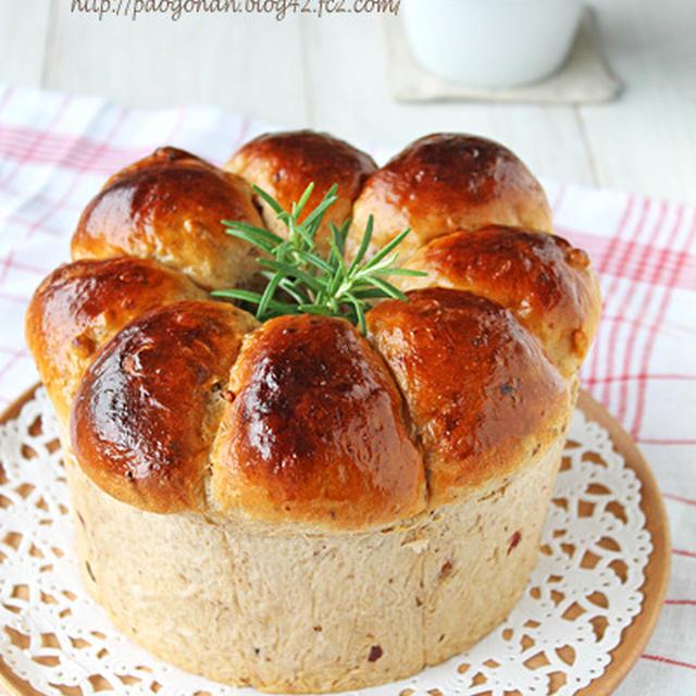 シフォン型でふわふわドライフルーツと胡桃のハニーちぎりパン☆
