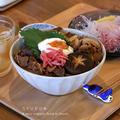 玉ねぎ>牛の丼 by filleさん