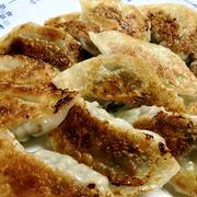 キャベツたっぷりの餃子&ランチのワンタン麺♪
