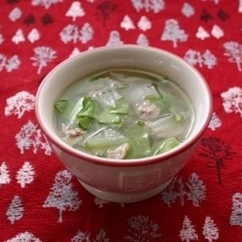 レシピブログ連載☆離乳食レシピ☆「玉ねぎのキャベツと豚肉の和風スープ」更新のお知らせ♪