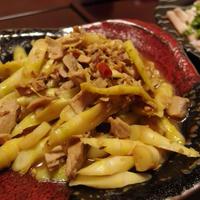 姫竹とかつおそぼろの味噌煮・ささみの花椒パクチーだれ