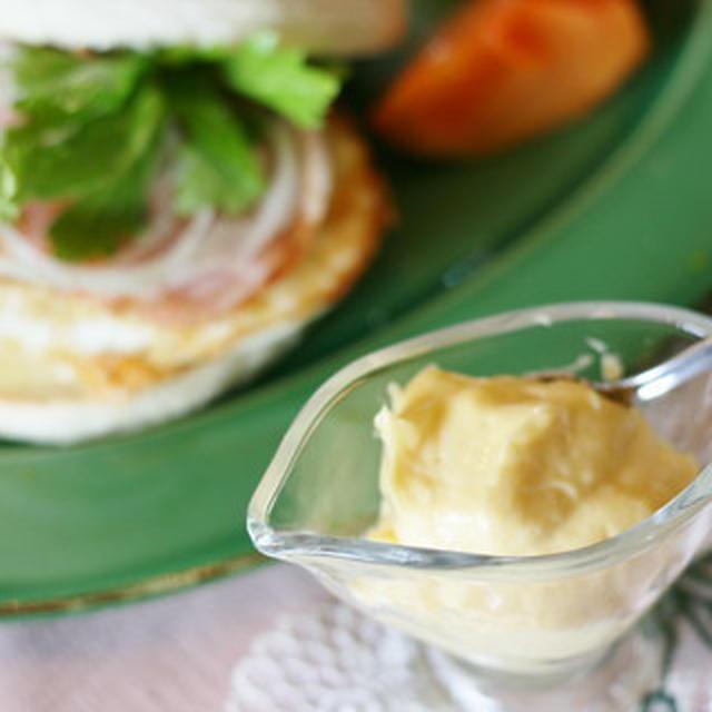 エッグベネディクトにオリーブオイル「バランカ」で作るオランデーズソース