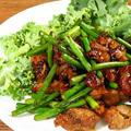 本格中華のレシピも、みかん亭ではなんちゃって中華になるのは、もはやあるべき姿です➖孜然羊肉片。