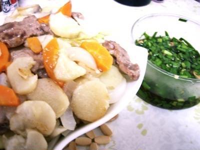 オレンジページの太らないレシピ100から 豚とキャベツの蒸し焼きピリ辛ポン酢だれ