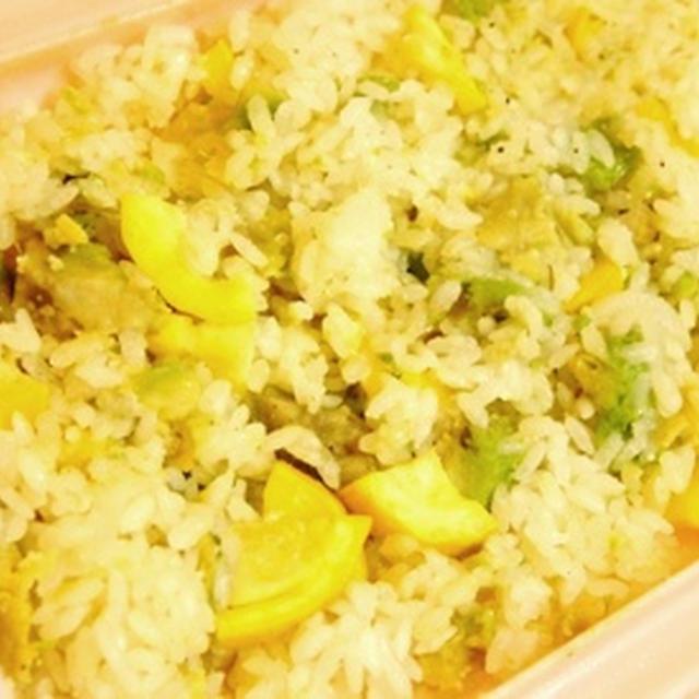 レンジで生米から簡単、ズッキーニとアボカドのリゾット、トマトとシイタケのホットサラダ