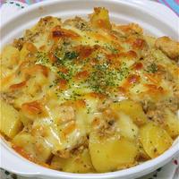 缶詰で簡単、チン!して混ぜて焼くだけ〜の鮭マヨポテト。