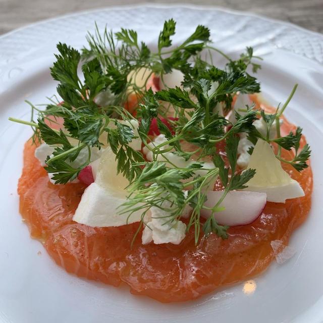 【簡単おもてなし料理】白鷺サーモンのカルパッチョ 日向夏とリコッタチーズ