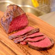 低温調理で肉料理の次元が変わる!まずはローストビーフと厚切りステーキ