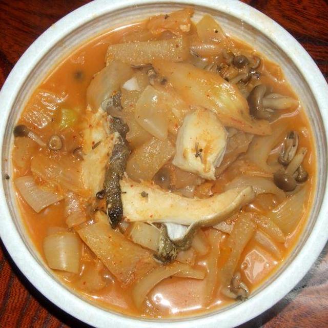キムチ大根と野菜小鉢