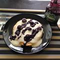 パンケーキ ブルーベリー&クリームソース