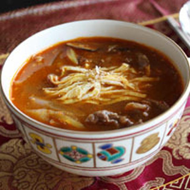 ユッケジャン(육개장) 韓国風辛い牛肉スープ レシピ。