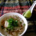 米麺で鍋のしめ、優しい味のフォー。