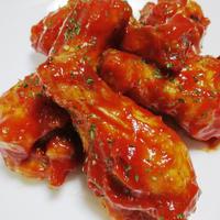 バッファローチキン<鶏手羽元のピリ辛ソース>