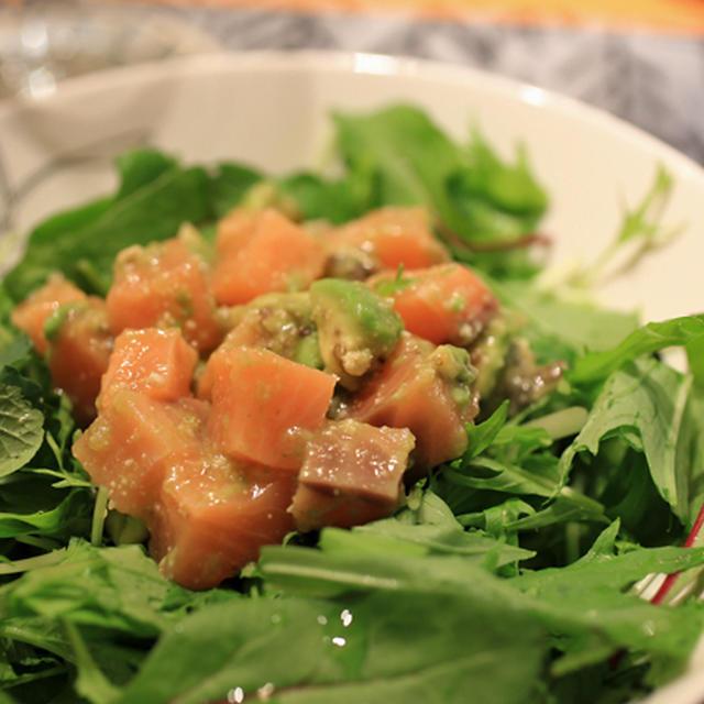 にんじんドレッシングで アボカドと鮭のサラダ
