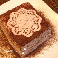 バースデーディナー☆チェリークリームのアーモンドスポンジケーキ