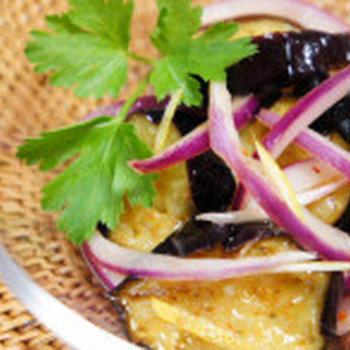 紫玉ねぎと揚げなすスイートパクチーサラダのレシピ