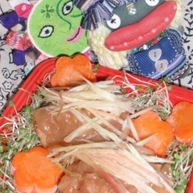 茗荷バーグの梅あん添え&新生姜とキュウリのサラダサラダ(お家カフェ)