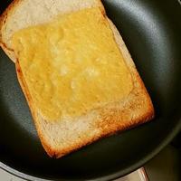 フライパンで簡単チーズトースト