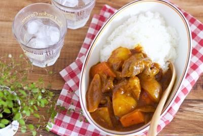 【恋活サプリ連載】おうちデートの恋活レシピ♡カレー好きな彼が喜ぶ「ゴロゴロ野菜カレー」