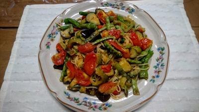 夏野菜のタップリのトマトカリーパスタ