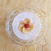 花びらバナナとルバーブのヨーグルト