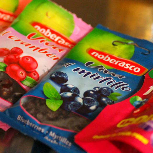ノベラスコ ドライフルーツ 赤い実漬けとグラノーラ